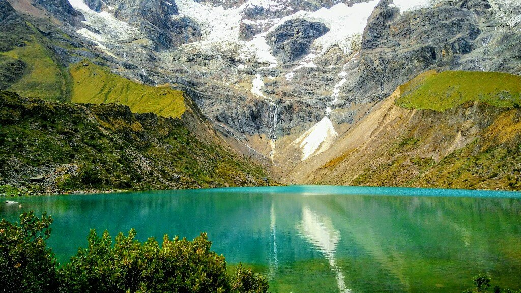 Laguna Humantay: Glacial lake high in the Andes