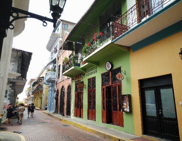 Street view in Barrio Casco Viejo